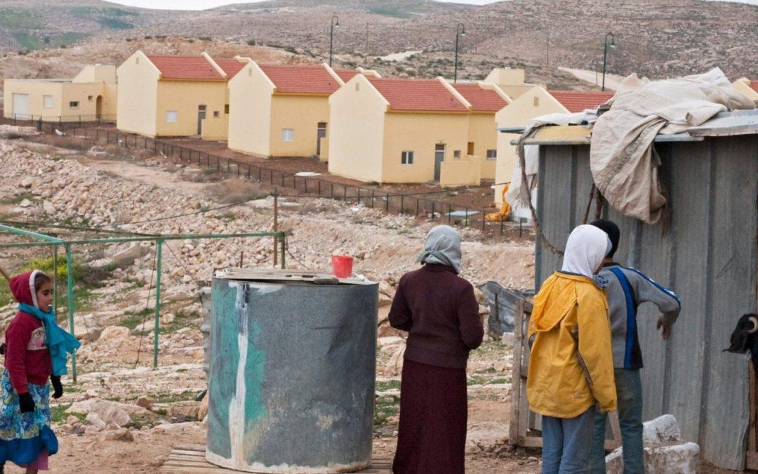 الاحتلال يستغل العاملات الفلسطينيات في المستوطنات