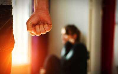 الأحزاب والفصائل تحاول منع إقرار قانون العنف الأسري في العراق!
