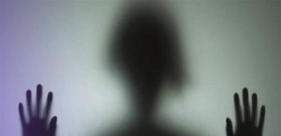 شبان إماراتيون يغتصبون فتاة ويصورون جريمتهم وينشرونها عبر مواقع التواصل الاجتماعي