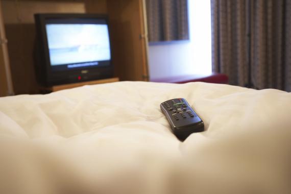 Image result for الريموت فى غرفة الفندق
