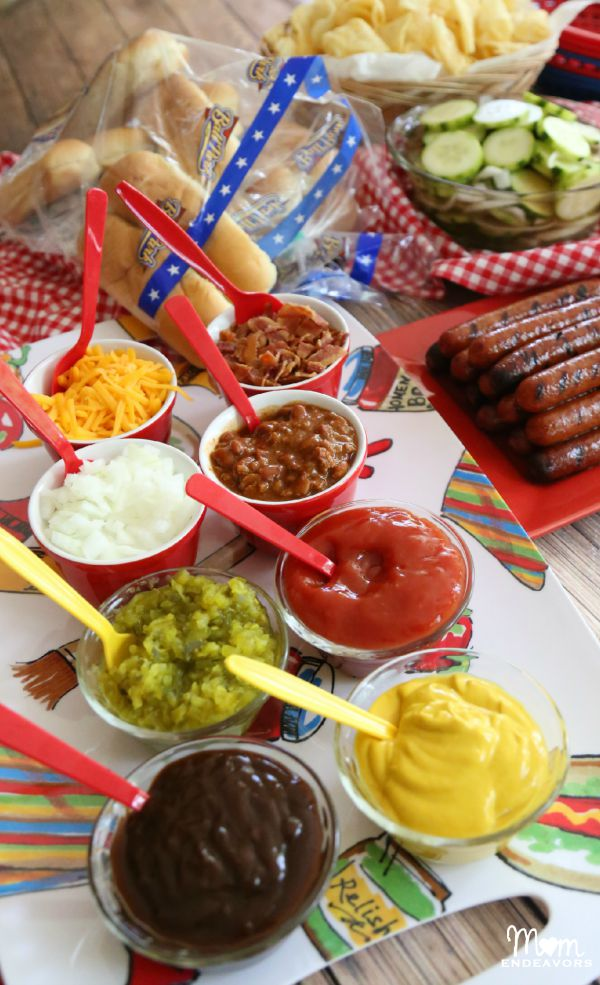 Mom Endeavors - Hot Dog Bar - Memorial Day Party