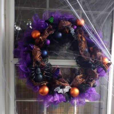 Deco Mesh Halloween Wreath Tutorial