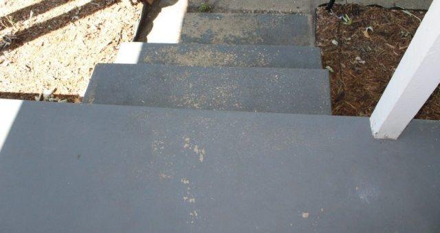 Paint a concrete porch - before