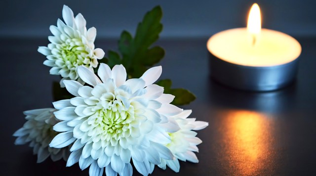 Grieving the Loss of a Loved One in Isolation – San Diego – Sharp Health  News