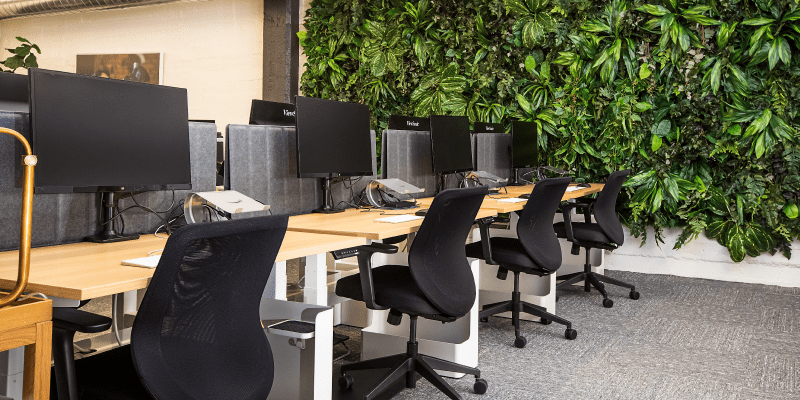 Why and how to implement desk sharing in your company?