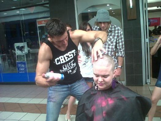 Lourens Mr SA SF doing his bit for Shavathon