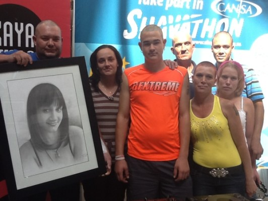 Pienaar family shaved in memory of 19 year old Natasha who sadly passed away this past week due to cancer. Today was very special to them to come and remember her in a very symbolic way.