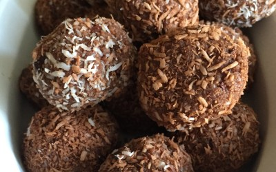 Low-Sugar Chocolate Peppermint Balls