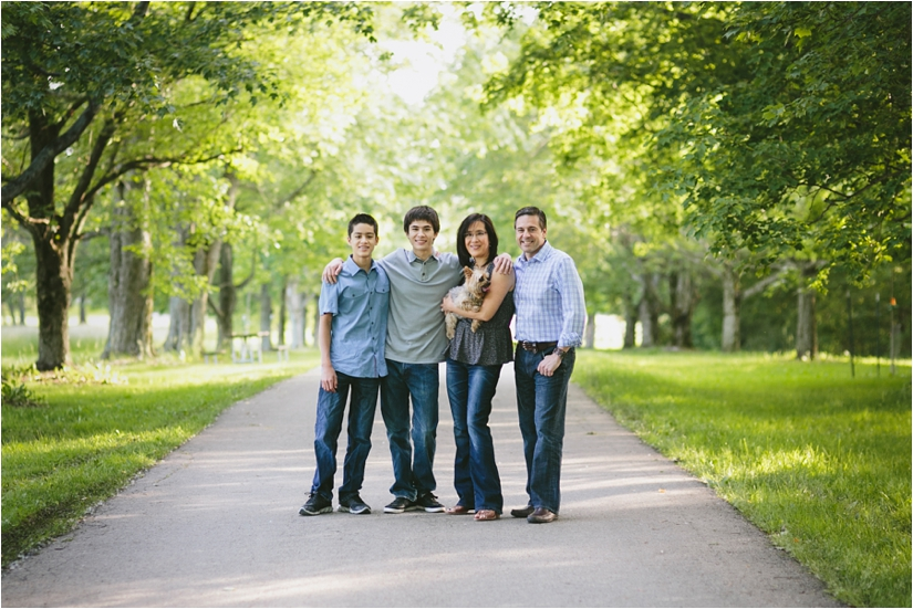 Family_Sesssion_With_OLder_Kids_Teenage_Boy_Family_session_how_to_pose_0003