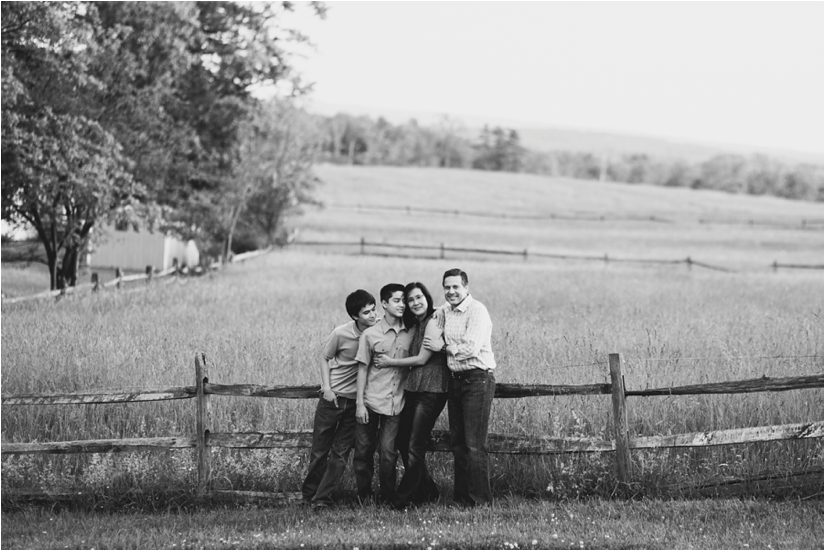 Family_Sesssion_With_OLder_Kids_Teenage_Boy_Family_session_how_to_pose_0044