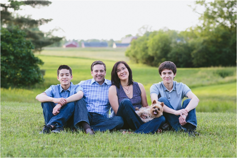Family_Sesssion_With_OLder_Kids_Teenage_Boy_Family_session_how_to_pose_0046