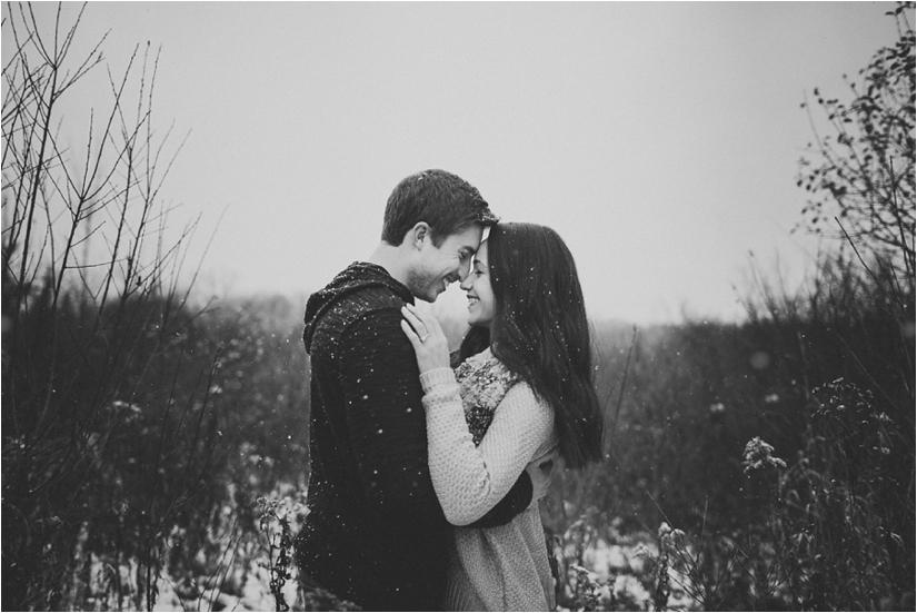 buffaloweddingphotographer_engagement_in_the_Snow_east_Aurora_photographers_0002