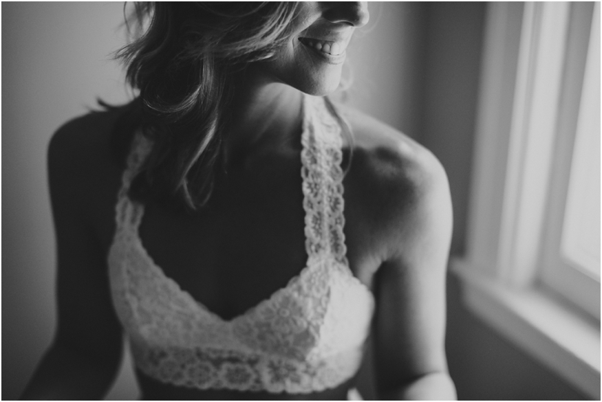 buffalo-nyc-boudoir-photographers-women-light-lines_0008
