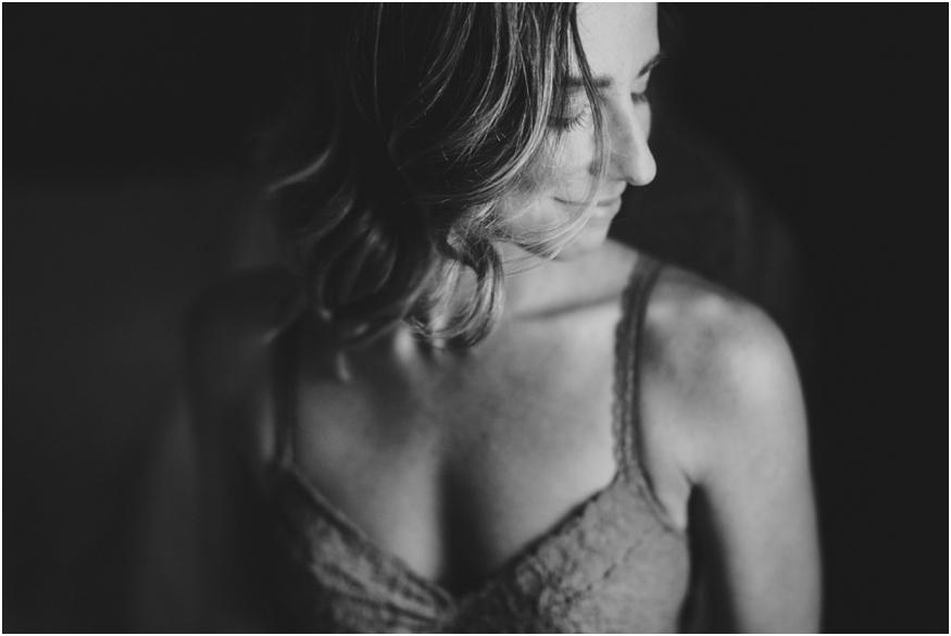 buffalo-nyc-boudoir-photographers-women-light-lines_0015