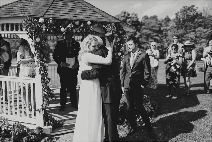 Nantucket_and_Portland_Maine_wedding_photographer_Outdoor_wedding_0025