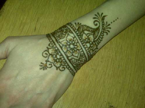 Wrist Mehndi Designs For Girls