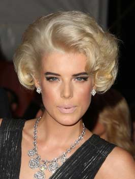 Supermodel Agyness Deyn Haircut 2010 Short Celebrity