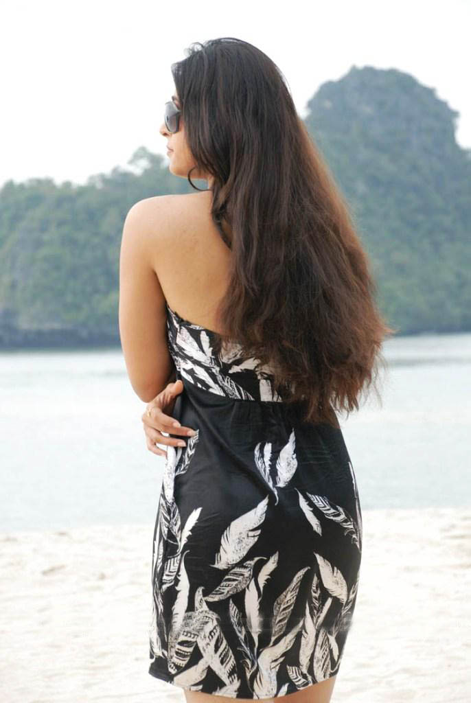 Model Anushka Backless Dress Fashion