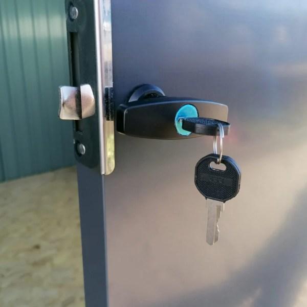 The door locking mechanism of the premium panoramic shed
