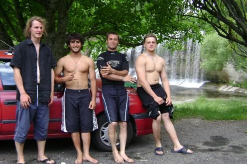 Simon (deutsch), Cassiano (brasilianisch), Dwaine (neuseeländisch) und Danny (tschechisch)