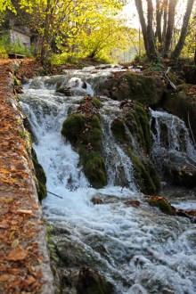 Wo man auch steht und geht: Wasserfälle