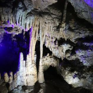 Tropfsteinformationen in der Teufelshöhle