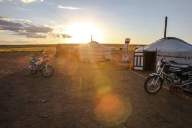 Erstes Nachtlager in der Gobi