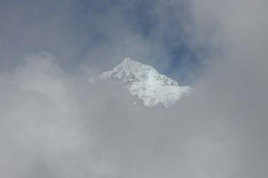 Nur hin und wieder schaut ein Gipfel raus
