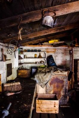 In der Wordie Hut - eine wahre Zeitkapsel. Noch immer können originale Artefakte in der restaurierten Hütte gefunden werden