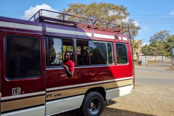 Unser Bus zum Meru - unsere Begleiter sind bereits dabei