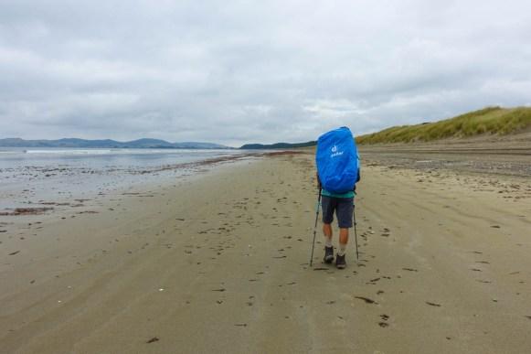 Über 20km geht's immer am Strand entlang
