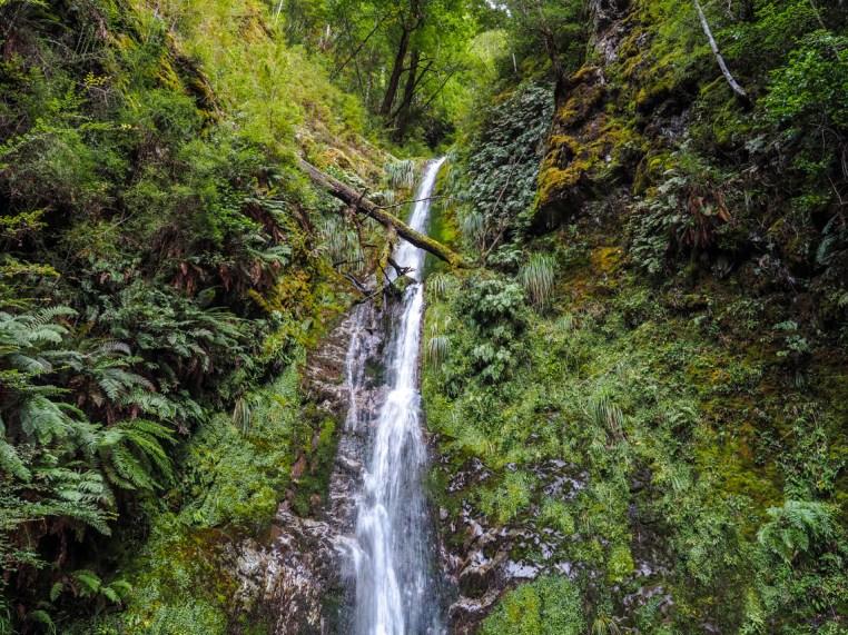 Wasserfall am Greenstone-Caples Track