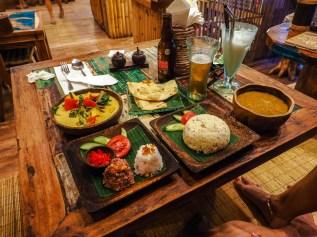 Essen im Atman Café