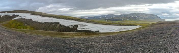 Aussicht von einem Hügel auf Edgeøya