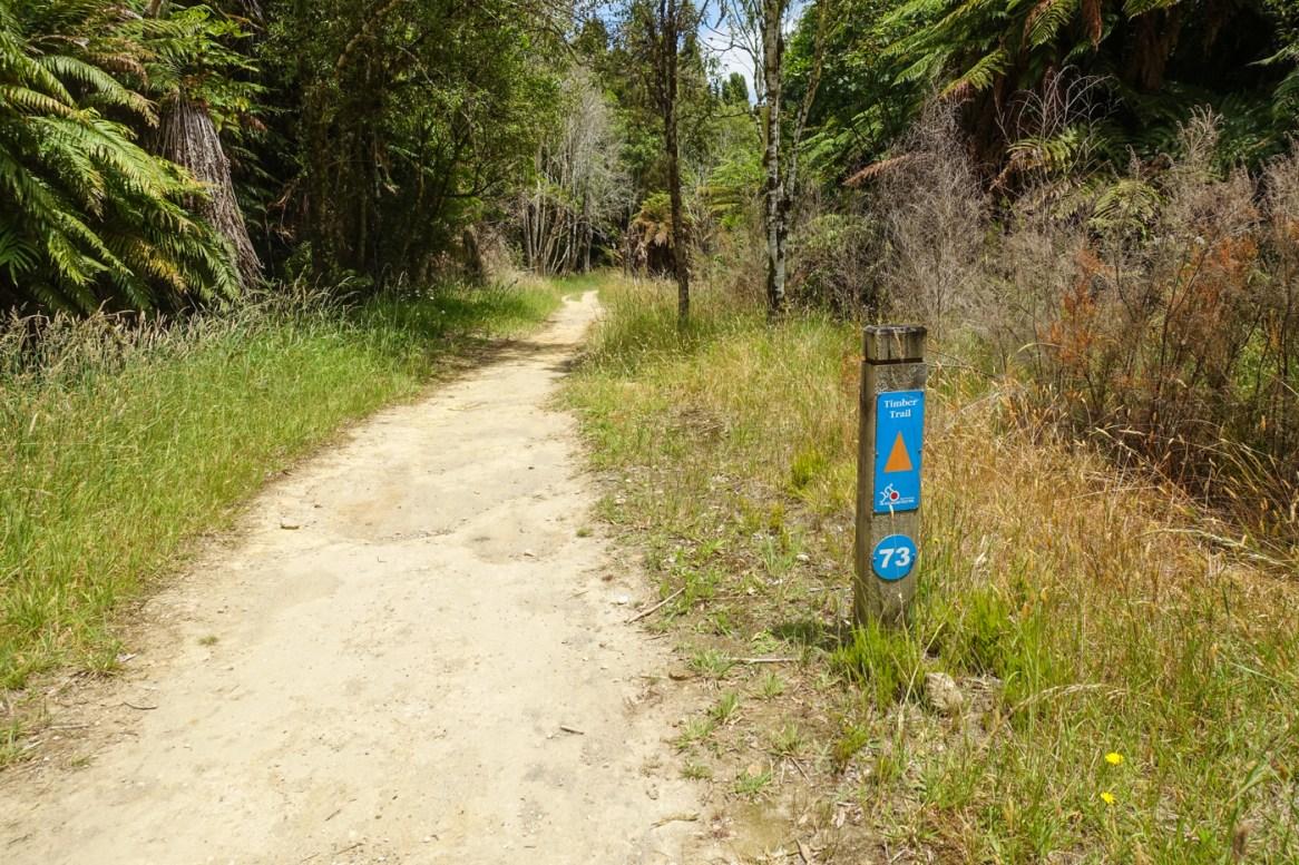 Kilometermarkierungen auf dem Timber Trail