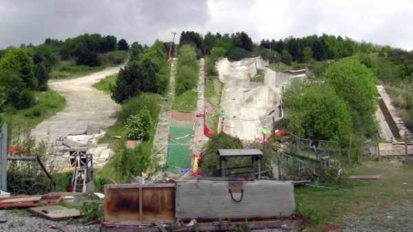 Sheffield Ski Village's abandoned slopes