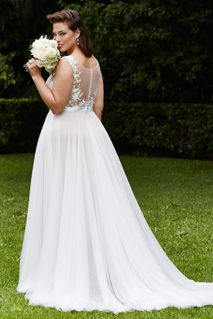 fb30862dd90 Wedding Dresses For Plus Size Women. 20 affordable plus size wedding ...