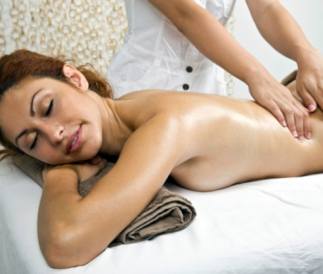 5 Reasons Career Moms Need A Massage