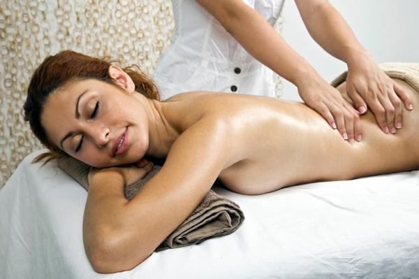 5 Reasons Career Moms Need A Massage