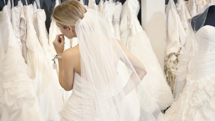 A bride's guide to wedding dress fabrics – SheKnows