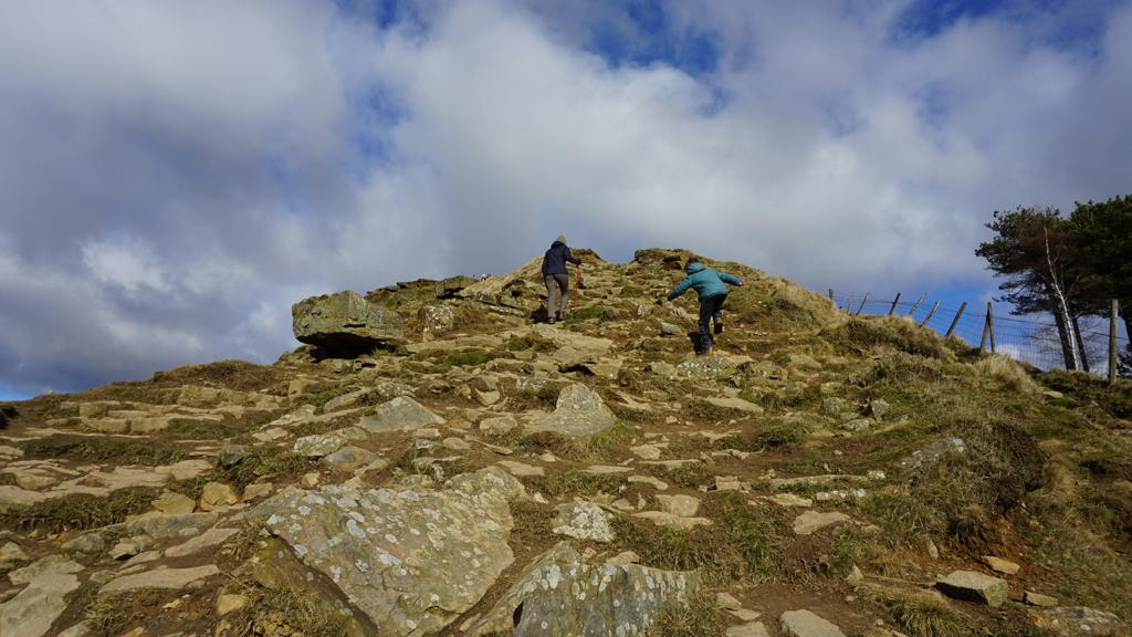 Mam Tor rocky climb to the summit