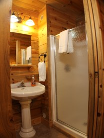 Queen and full size cabin bathroom