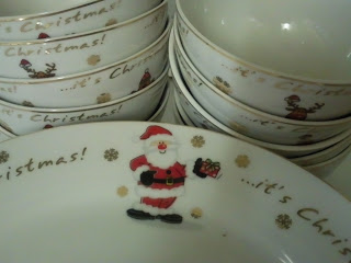 Christmas dinner plate and bowls from B&M featuring a cartoon Santa