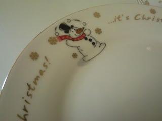 Christmas dinner plate from B&M featuring a cartoon snowman