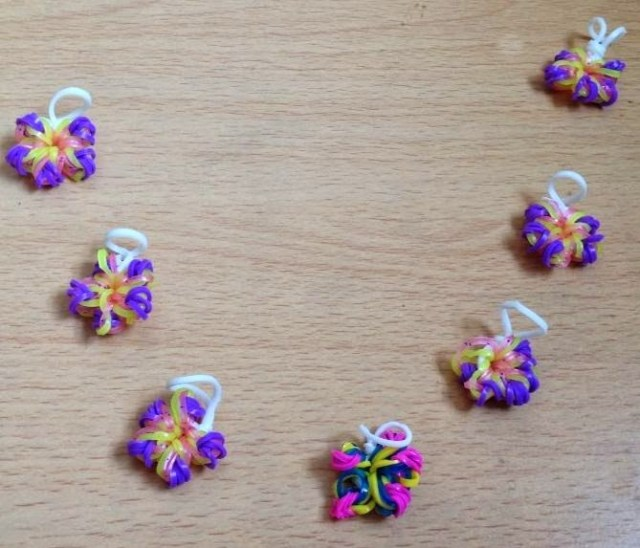 Loom band flowers