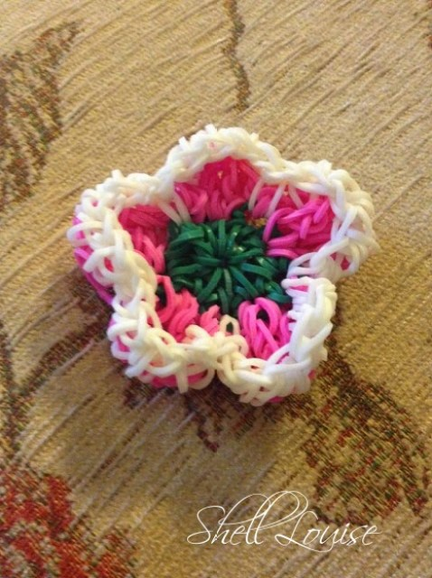 loom band flower