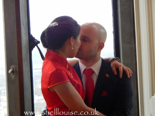 Wedding reception  Jonathan and Elaine kissing