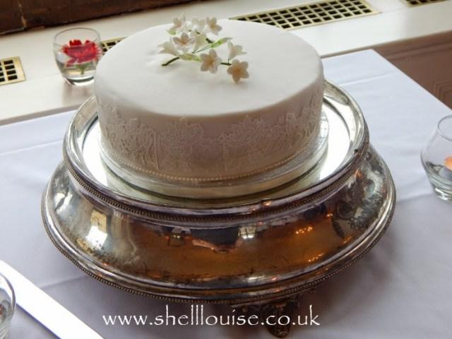 wedding reception - the cake