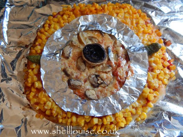 Kaycee's minion pizza