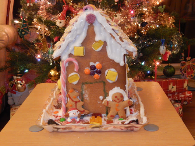 Front of finished gingerbread house